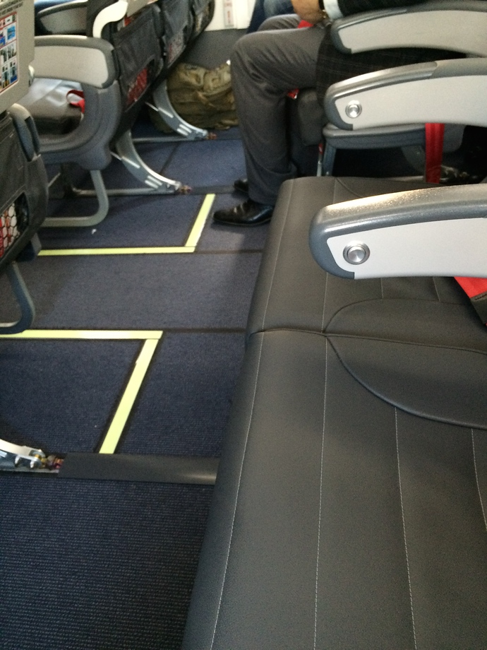 empty row airplane