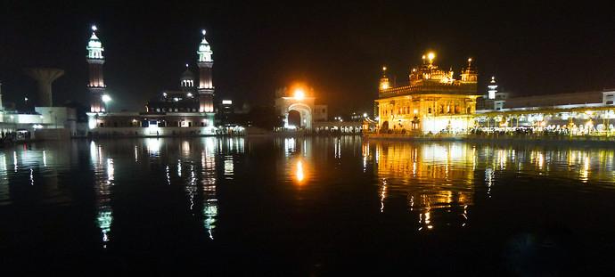 golden temple amritsar india panorama night